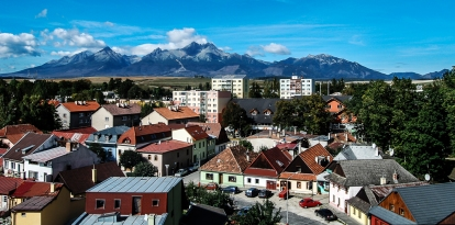 2000 m above the sidewalks . High Tatras and the Western Tatras (2011) 07