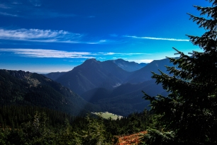 2000 m above the sidewalks . High Tatras and the Western Tatras (2011) 08